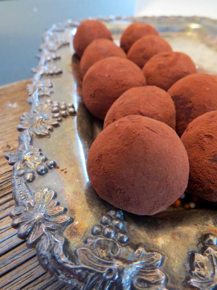 dark chocolate maca truffles - paleo, libido-boosting, gluten free, vegan